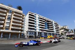Паскаль Верляйн, Sauber C36, и Лэнс Стролл, Williams FW40