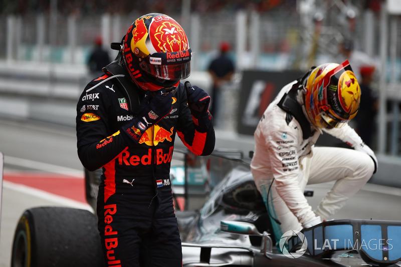 Yarış galibi Max Verstappen, Red Bull Racing, 2. Lewis Hamilton, Mercedes AMG F1