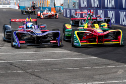 Sam Bird, DS Virgin Racing passa Daniel Abt, ABT Schaeffler Audi Sport