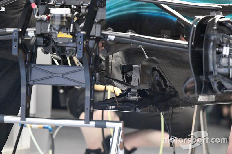 Mercedes F1 W08: Splitter