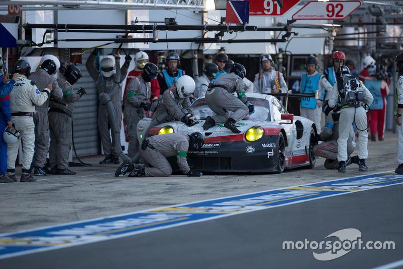 #91 Porsche Team Porsche 911 RSR