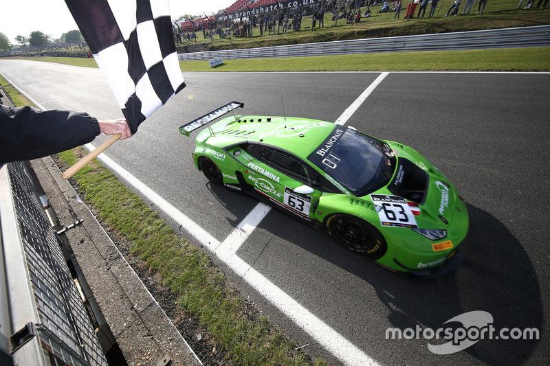 #63 GRT Grasser Racing Team Lamborghini Huracan GT3: Christian Engelhart, Mirko Bortolotti, takes the checkered flag