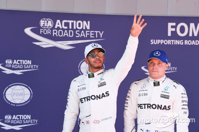 Polesitter Lewis Hamilton, Mercedes AMG F1, third place Valtteri Bottas, Mercedes AMG F1