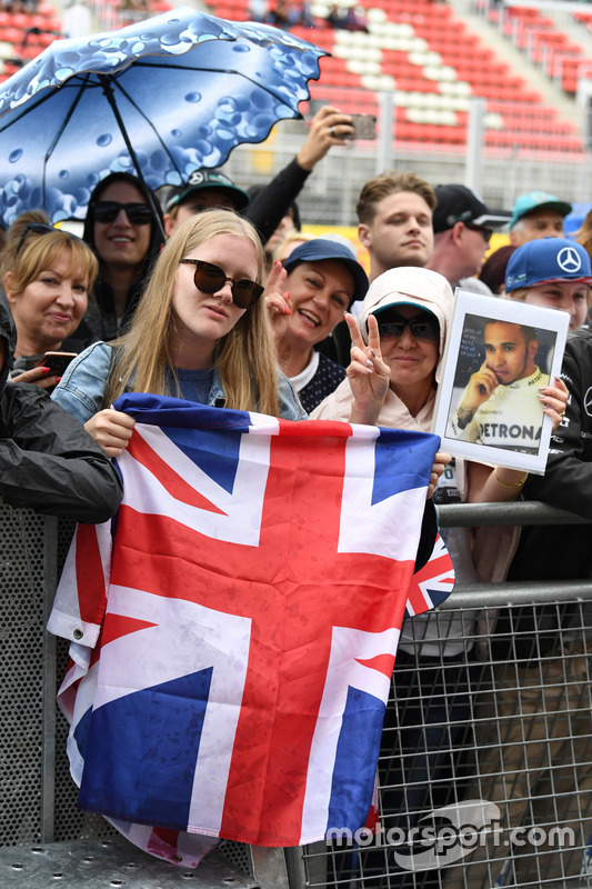 Fans and Union flag