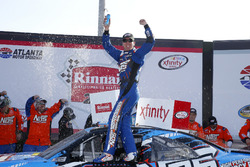 Kyle Busch, Joe Gibbs Racing, Toyota feiert in der Victorylane
