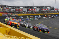 Denny Hamlin, Joe Gibbs Racing Toyota and Matt Kenseth, Joe Gibbs Racing Toyota green flag start