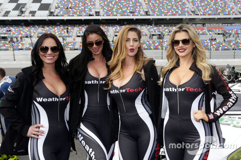 Chicas Hot WeatherTech