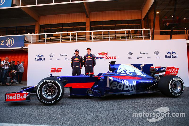 Carlos Sainz, Scuderia Toro Rosso, Daniil Kvyat, Scuderia Toro Rosso
