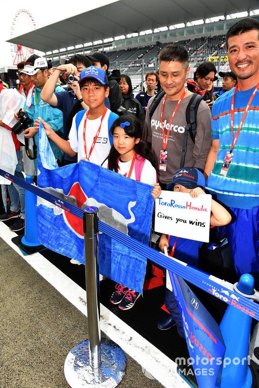 Scuderia Toro Rosso fans and banner
