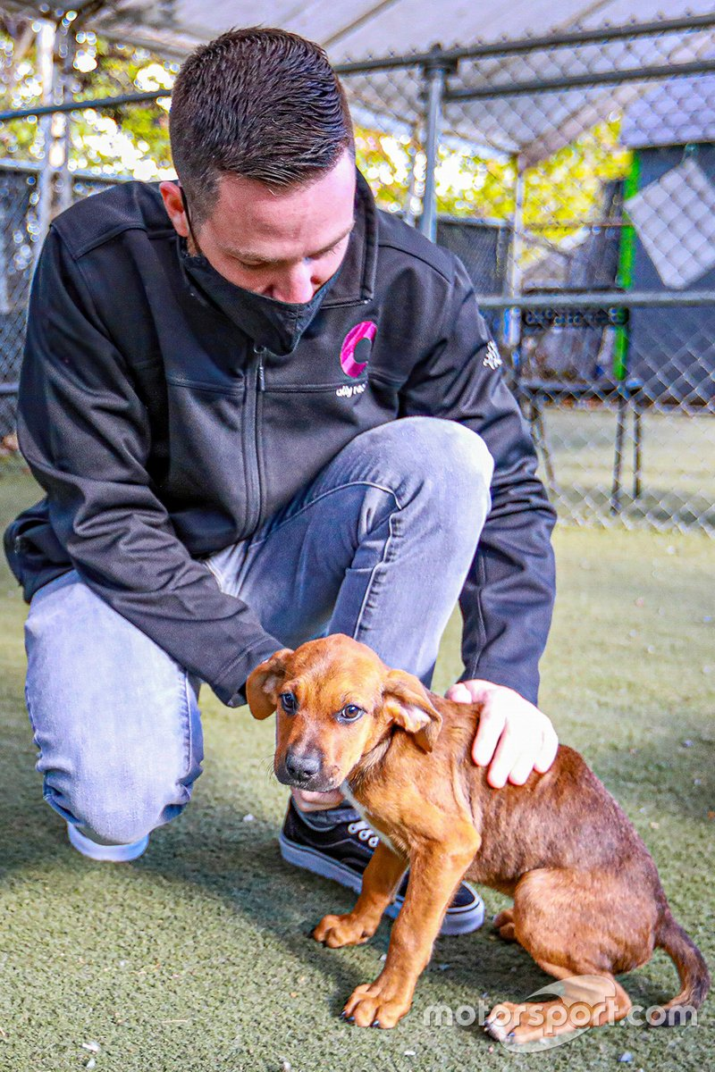 Alex Bowman visits Humane Society of Charlotte