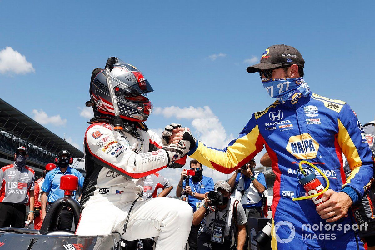 Marco Andretti congratulated on his pole by Alexander Rossi, a driver who put #98 into IMS Victory Lane in 2016.
