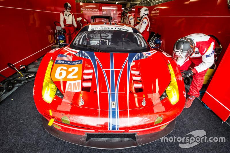 56: Ferrari 458 Italia команды Scuderia Corsa (№62): Билл Суидлер, Джефф Сигал, Таундсенд Белл