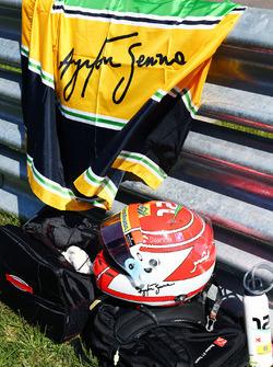 Felipe Nasr, Sauber pays tribute to Ayrton Senna on the grid