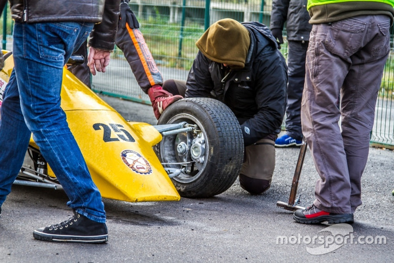 Заміна гуми перед стартом