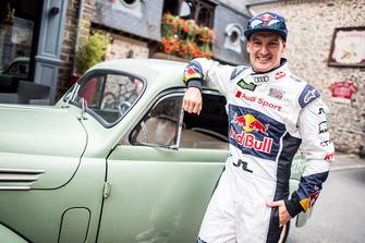 Andreas Bakkerud, EKS Audi Sport with a vintage car
