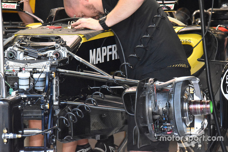 Renault Sport F1 Team R.S. 18 front brake detail