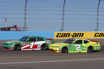 Elliott Sadler, JR Motorsports, Chevrolet Camaro Chevrolet Hunt Brothers Pizza y Matt Tifft, Richard Childress Racing, Chevrolet Camaro Go Green