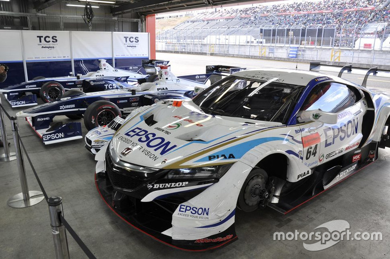 #64 Epson Modulo NSX-GT dan TCS NAKAJIMA RACING Super Formula