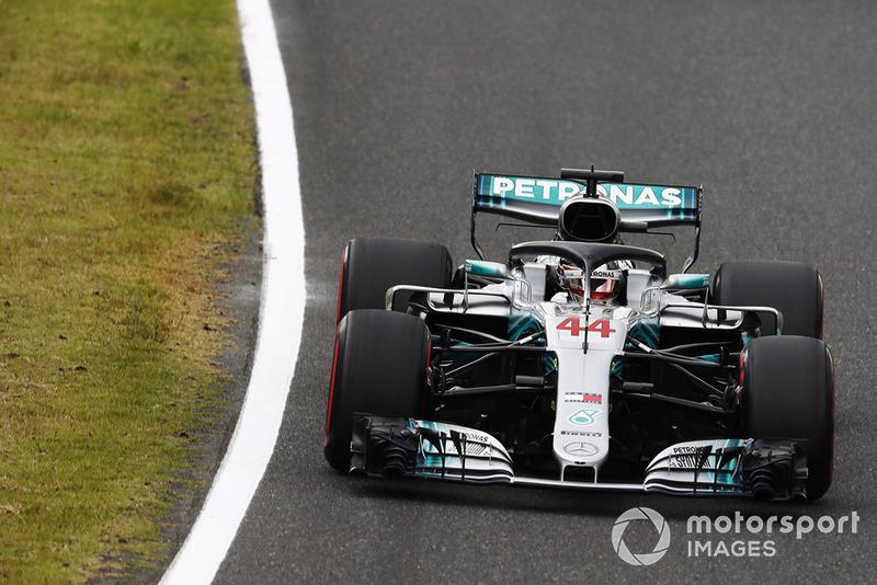 В субботу на Гран При Японии Льюис Хэмилтон вновь обновил свой рекорд: он выиграл 80-ю поул-позицию в Ф1, которая стала 98-й для Mercedes, как для команды, и 181-й для их моторов