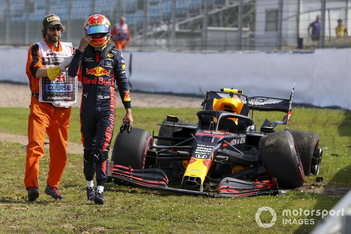 Alex Albon, Red Bull Racing RB16 after crashing