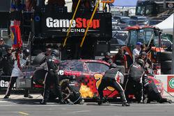 Erik Jones, Joe Gibbs Racing Toyota pit stop