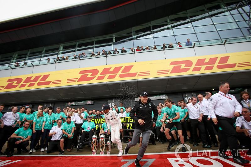 Льюіс Хемілтон, Mercedes AMG F1, Біллі Монгер, Ніколас Хемілтон з командою