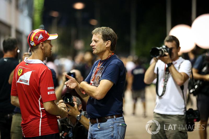 Sebastian Vettel, Ferrari, mit Michael Schmidt, Journalist