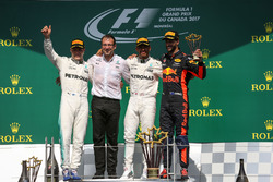 Podyum: Yarış galibi Lewis Hamilton, Mercedes AMG F1, 2. Valtteri Bottas, Mercedes AMG F1, 3. Daniel Ricciardo, Red Bull Racing, Loic Serra, Mercedes AMG F1 Araç Dinamiği Şefi