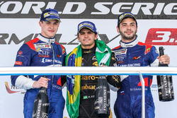 Podium: race winner Pietro Fittipaldi, Lotus, second place Egor Orudzhev, SMP Racing, third place Matevos Isaakyan, SMP Racing