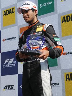 Podio Rookie: il terzo classificato Jehan Daruvala, Carlin, Dallara F317 - Volkswagen