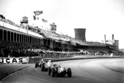 Maurice Trintignant, Cooper T51-Climax, Stirling Moss, BRM P25, Bruce McLaren, Cooper T45-Climax