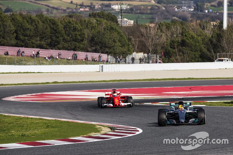 Lewis Hamilton, Mercedes AMG F1 W08, leads Sebastian Vettel, Ferrari