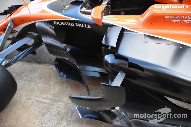 Деталь McLaren MCL32