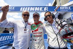 Emiliano Ventura, race winner Tiago Monteiro, Honda Racing Team JAS
