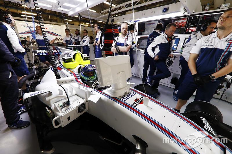 Felipe Massa, Williams FW40, sits in his cockpit