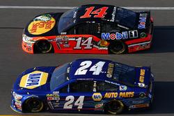 Chase Elliott, Hendrick Motorsports Chevrolet, Brian Vickers, Stewart-Haas Racing Chevrolet