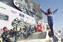 Race winner Spencer Gallagher, GMS Racing, Chevrolet Camaro Allegiant
