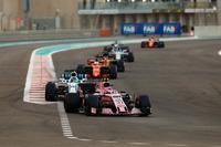Esteban Ocon, Sahara Force India F1 VJM10, Felipe Massa, Williams FW40, Fernando Alonso, McLaren MCL32, Carlos Sainz Jr., Renault Sport F1 Team RS17