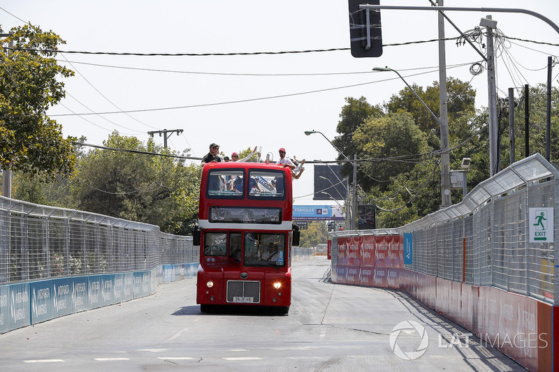 The drivers parade bus