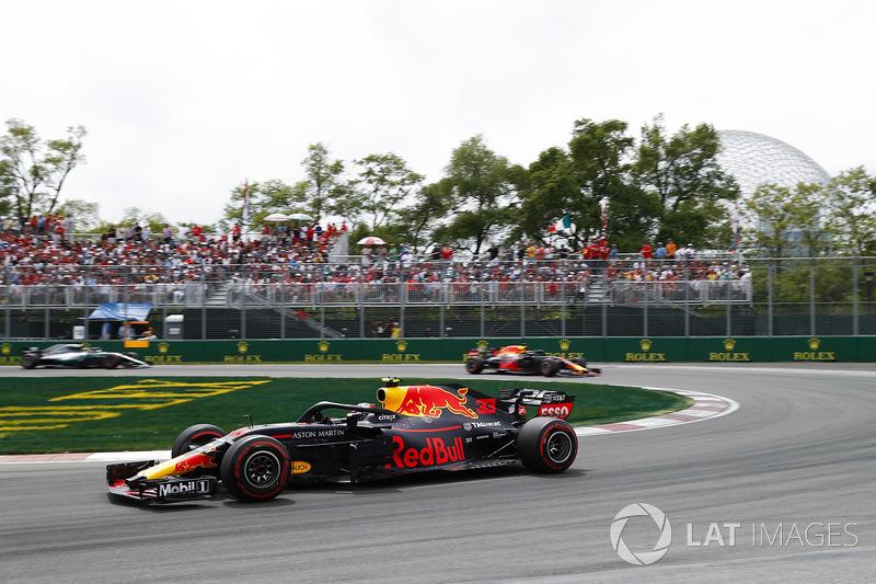 Max Verstappen, Red Bull Racing RB14, leads Daniel Ricciardo, Red Bull Racing RB14