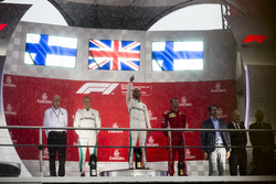Podio: Valtteri Bottas, Mercedes AMG F1, Lewis Hamilton, Mercedes AMG F1, Kimi Raikkonen, Ferrari