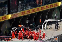 Sebastian Vettel, Ferrari SF71H au stand