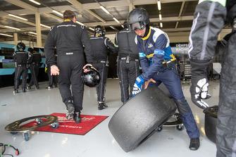Michelin mecánico en el trabajo