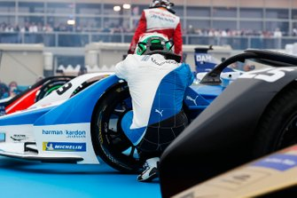 Antonio Felix da Costa, BMW I Andretti Motorsports kneels beside his car