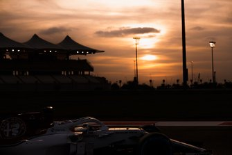 Antonio Giovinazzi, Sauber C37, at sunset