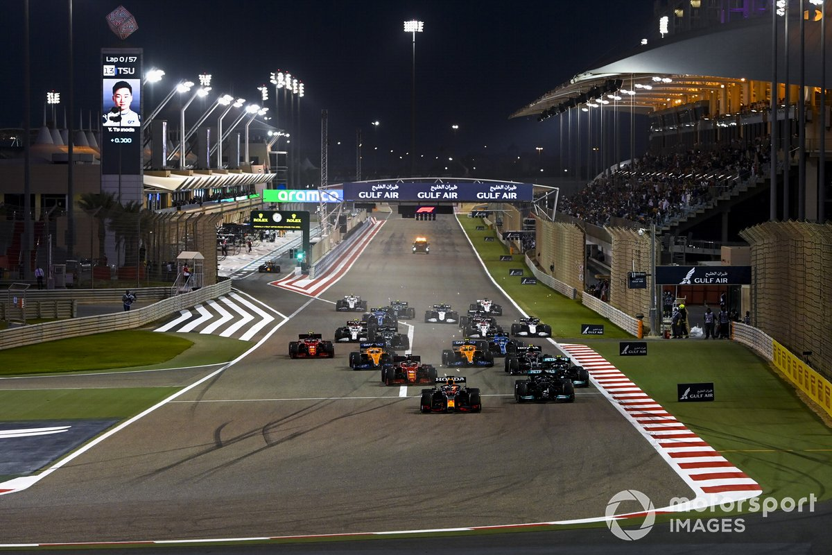 Max Verstappen, Red Bull Racing RB16B Lewis Hamilton, Mercedes W12, Valtteri Bottas, Mercedes W12 and Charles Leclerc, Ferrari SF21 at the start of the race