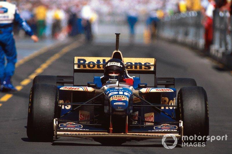 Race winner Damon Hill, Williams FW18 Renault