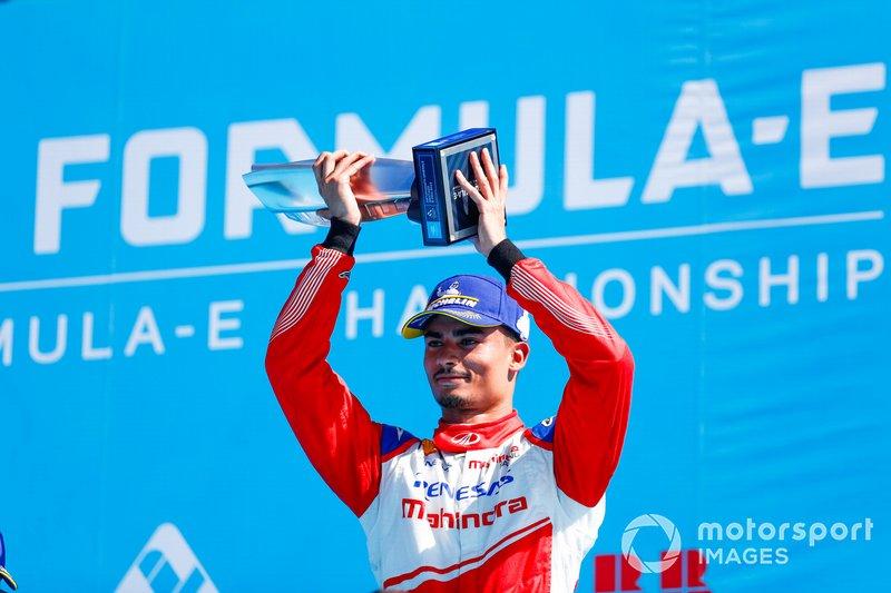 Pascal Wehrlein, Mahindra Racing, festeggia il 2° posto sul podio
