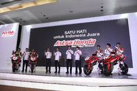 Awhin Sanjaya, Rheza Danica, Gerry Salim, Dimas Ekky, Andi Gilang dan Irfan Ardiansyah, Astra Honda Racing Team dan para petinggi PT Astra Honda Motor