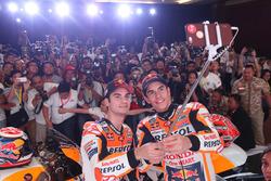 Marc Márquez, Repsol Honda Team, Dani Pedrosa, Repsol Honda Team selfie